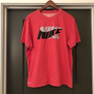 Nike Women's Dri Fit Tee Shirt Size L Red
